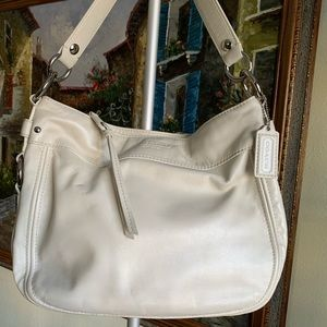White coach shoulder bag leather